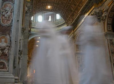 Fantasmi e sensazioni di presenze astrali ..  Fantasmi001